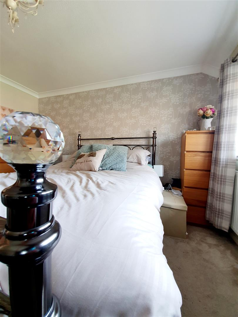 Landor Drive, Loughor, Swansea, SA4 6GL